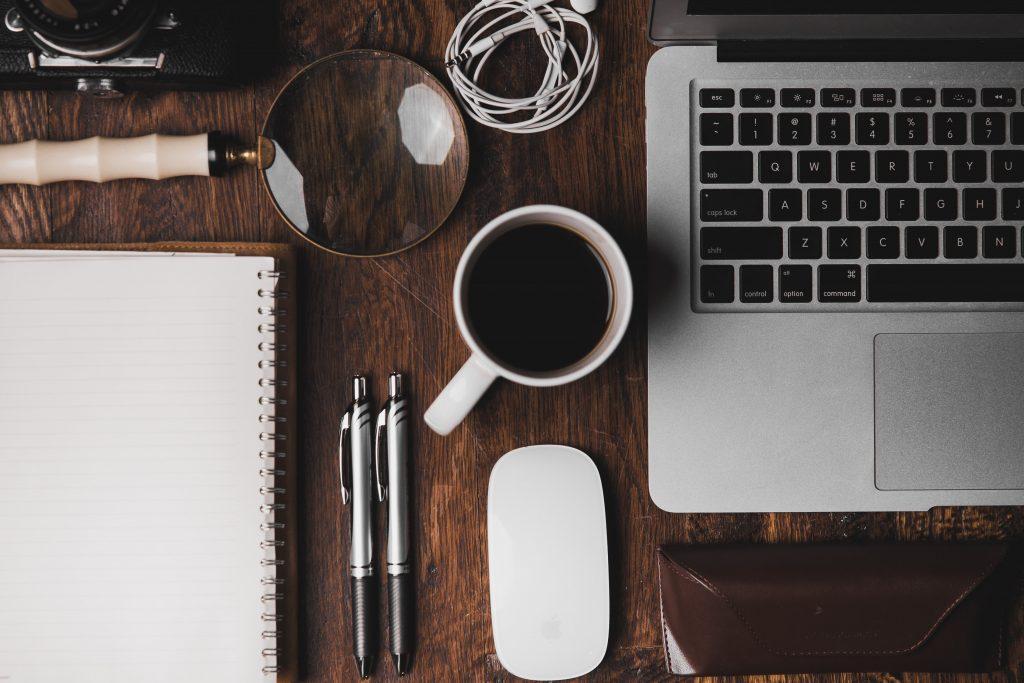 Arbeta mer effektivt när du jobbar hemifrån för att komma i gång efter semestern